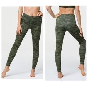 Onzie Flow Sz S / M Green Camo Leggings Yoga